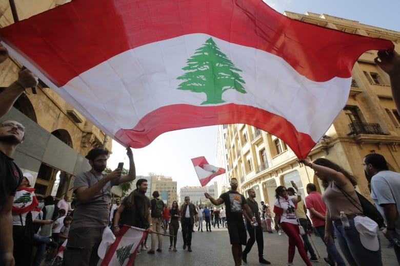"""تزامنا مع احتجاجات لبنان.. توقعات ميشال حايك تبرز على تويتر: """"دهشة"""""""