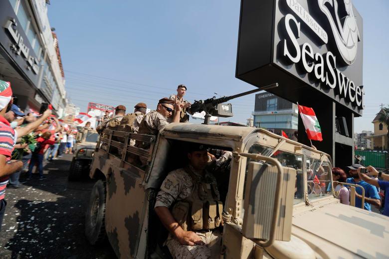 """تداول مقطع فيديو لتصدي الجيش اللبناني لـ""""مسيرة"""" حزب الله وحركة أمل في بيروت"""