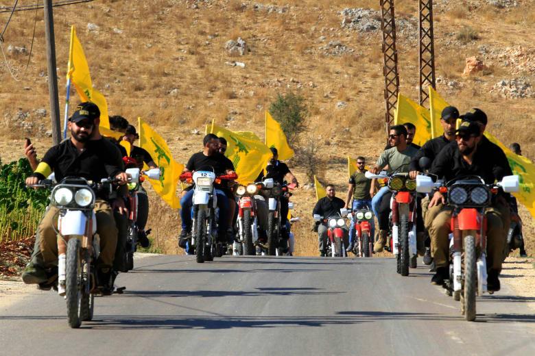 """حزب الله يتبرأ من """"تظاهرة الدراجات"""" في بيروت: لا علاقة لنا بها بتاتا"""