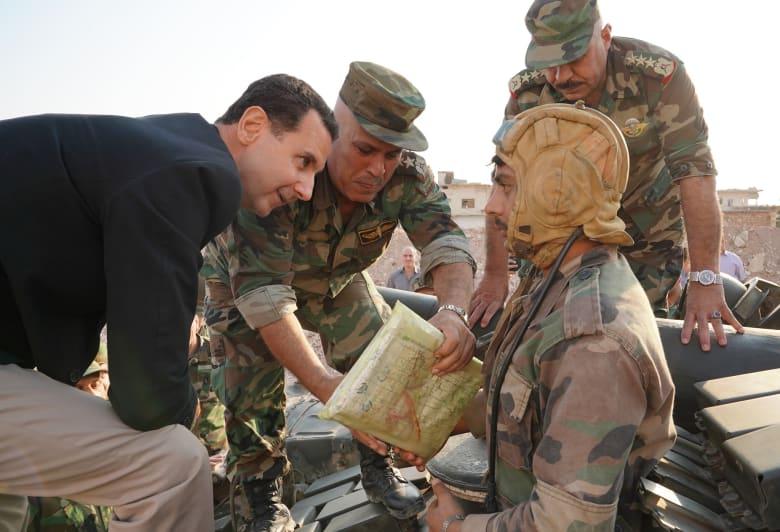 الرئيس السوري بشار الأسد يلتقي رجال الجيش على الخطوط الأمامية بريف إدلب