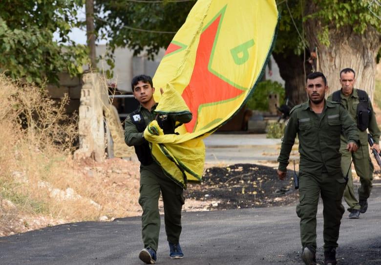 تركيا: الأكراد انسحبوا من شمال سوريا.. ولا حاجة لعملية عسكرية جديدة
