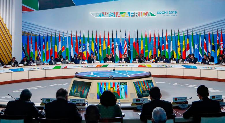 """""""إسكات البنادق"""" بكلمتي السيسي ورئيس وزراء إثيوبيا بالقمة الإفريقية الروسية"""