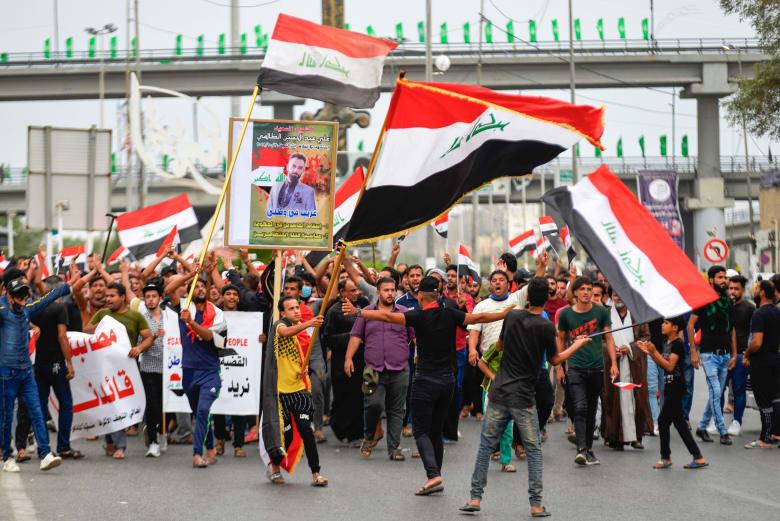 مقتل 6 أشخاص وإصابة نحو ألف في احتجاجات عنيفة بالعراق