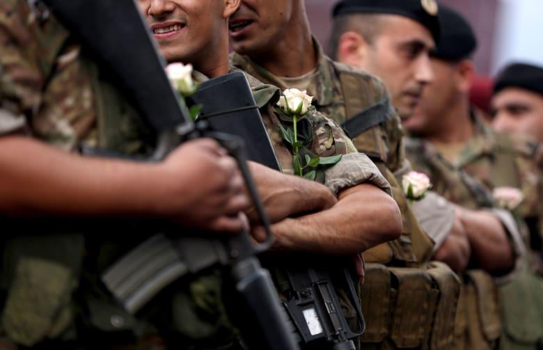 وسائل إعلام لبنانية ومغردون: الجيش يطلق النار على محتجين في طرابلس