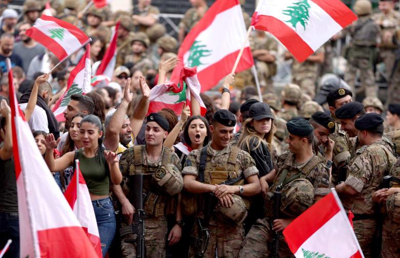 """ردا على """"الحجارة والمفرقعات"""".. الجيش اللبناني يكشف سبب إطلاق النار في طرابلس"""