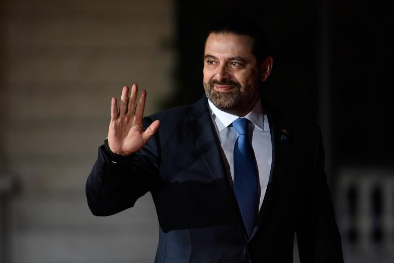 """بجملة """"لا أحد أكبر من بلده"""".. الحريري يعلن تقديم استقالة حكومته لعون"""