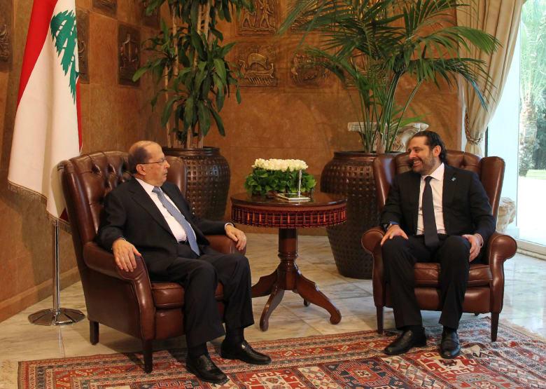 رئيس لبنان يطلب من حكومة الحريري تصريف الأعمال لحين تشكيل حكومة جديدة