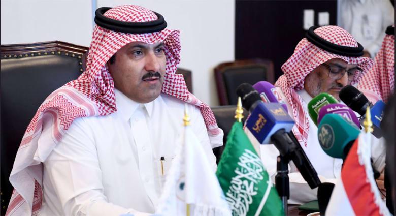 """آل جابر يحدد موعد توقيع اتفاق الرياض بين حكومة اليمن و""""الانتقالي الجنوبي"""" ومن سيحضره.. وقرقاش يعلق"""