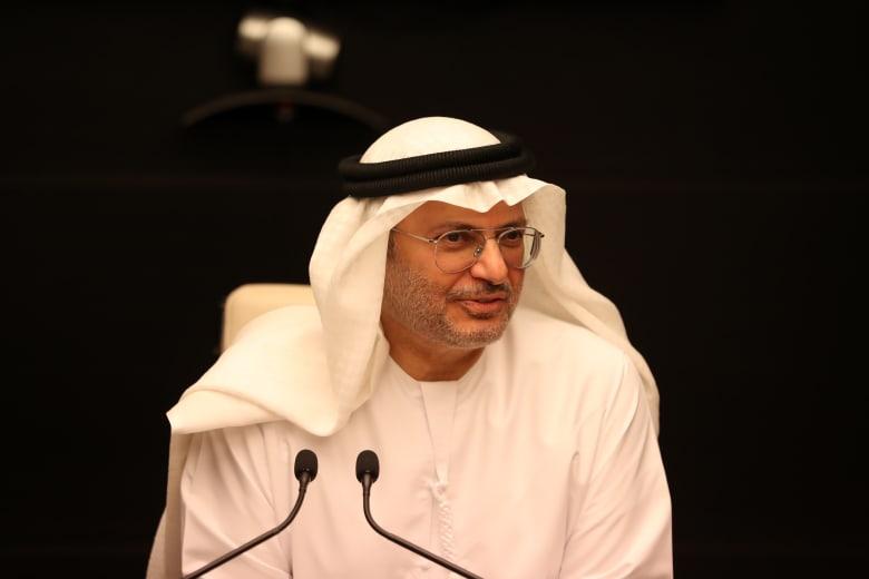 """قرقاش يرد على """"الشيوعي السوداني"""" وانتقاد دور الإمارات والسعودية"""