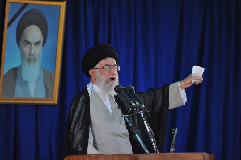 """خامنئي: إرادتنا """"حديدية"""".. ومساعي المفاوضات مع واشنطن هدفها """"تركيع إيران"""""""