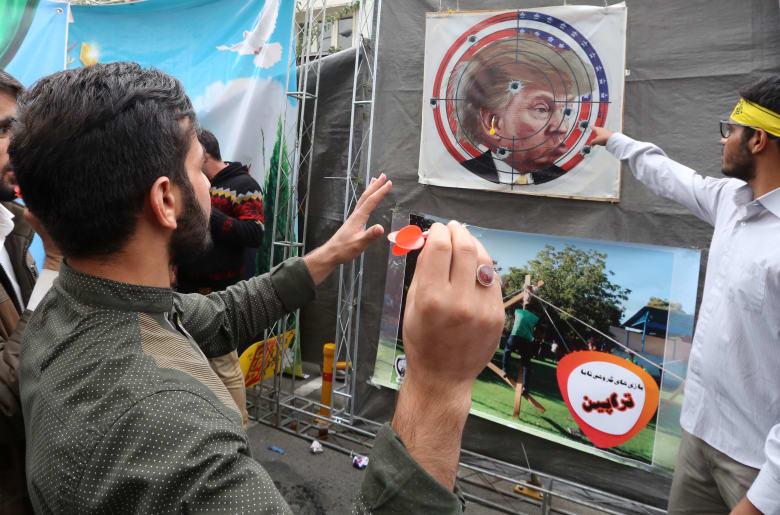 """إيران عن العقوبات الجديد على مُقربين من خامنئي: """"قرار انفعالي"""""""