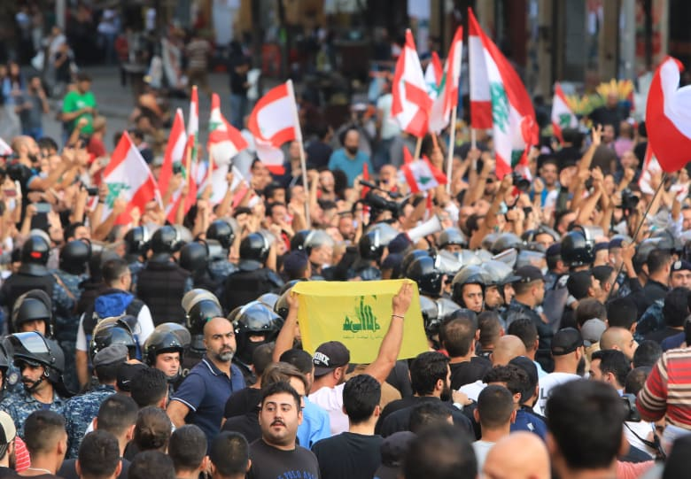 حزب الله يوضح رؤيته للحل في لبنان وكيفية البدء بعد 3 أسابيع مظاهرات