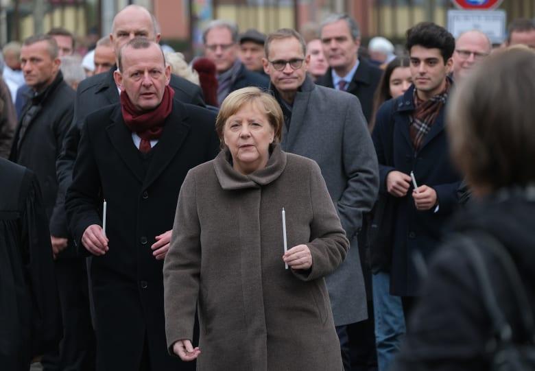 ميركل وقادة أوروبيون يحيون ذكرى مرور 30 عامًا سقوط جدار برلين