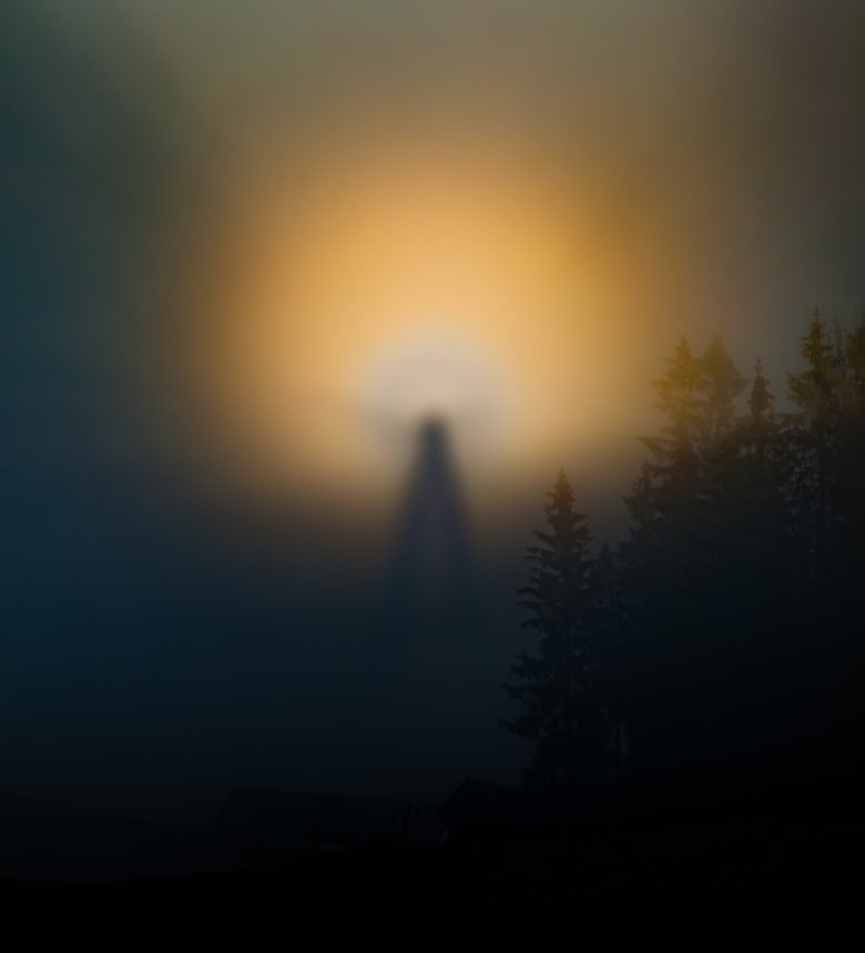 """ظاهرة """"شبح الجبل"""""""