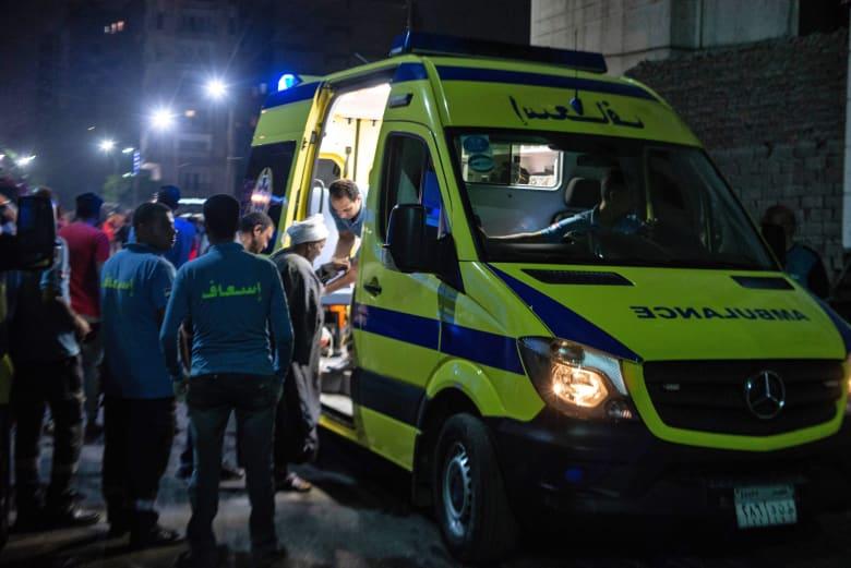 صورة أرشيفية لفرق إسعاف في مصر