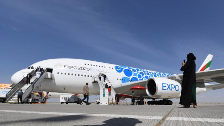 أعلن طيران الإمارات الاثنين خلال المعرض، أنه طلب 50 طائرة إيرباص من طراز A350