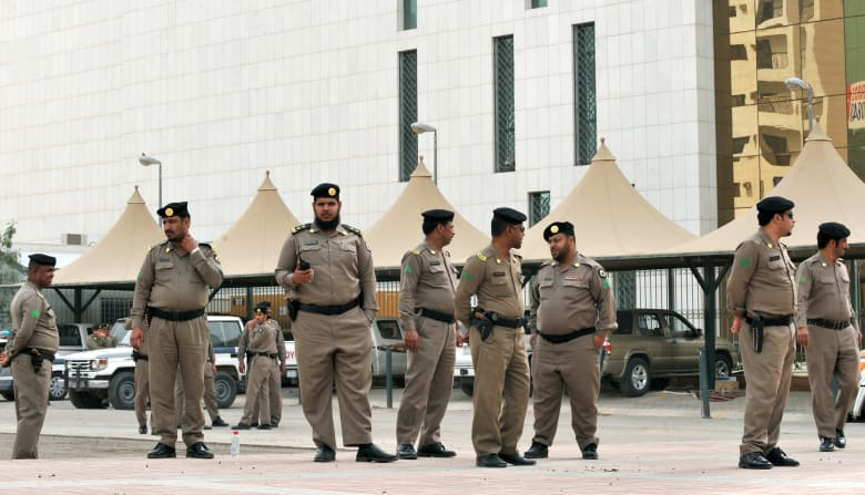 صورة ارشيفية لعناصر بالأمن السعودي