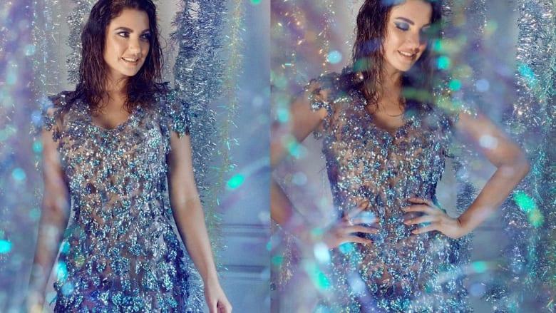 صُنعت من 300 قارورة.. الممثلة درة زروق ترتدي فستاناً مصنوعاً من قوارير مياه بلاستيكية
