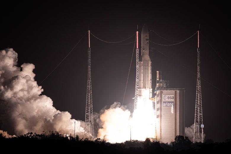 عملية إطلاق قمر صناعي مصري للاتصالات