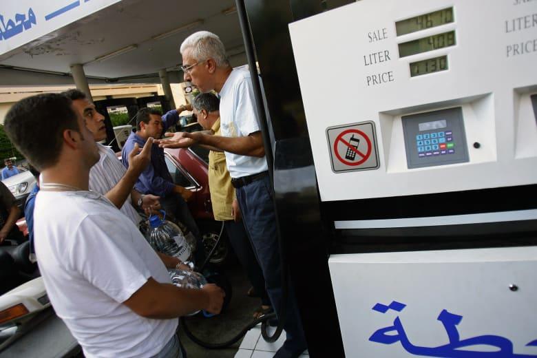 جدال بمحطة وقود في لبنان