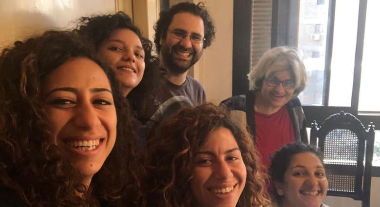 صورة أرشيفية لعائلة علاء عبدالفتاح