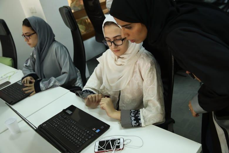 ما هي أكثر القطاعات جاذبية للباحثين عن عمل في الشرق الأوسط؟