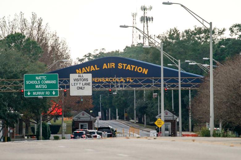 قاعدة بينساكولا الجوية في فلوريدا