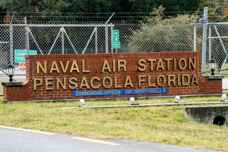مدخل قاعدة بنساكولا الجوية في فلوريدا