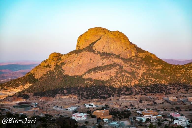 """جبل """"حرفة"""" في السعودية"""