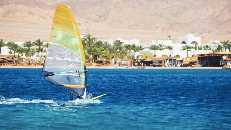 ركوب الأمواج بالألواح الشراعية فيمصر