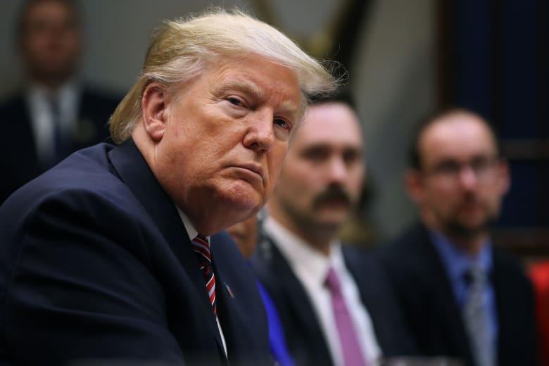 ثالث رئيس يحاكم برلمانيًا.. الديمقراطيون يتهمون ترامب بإساءة استخدام السلطة وعرقلة الكونغرس