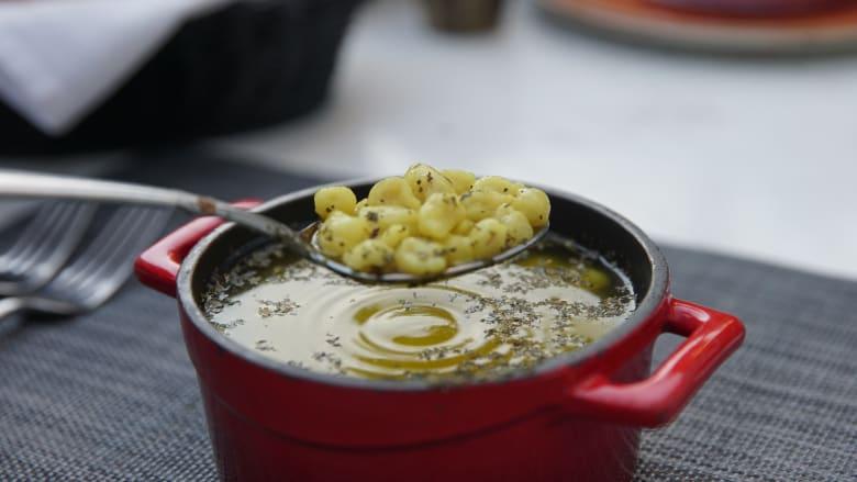 يجب أن تتسع ملعقتك لـ 22 قطعة من العجين لتكون مثالية.. ما القصة وراء هذا الطبق الأذربيجاني؟