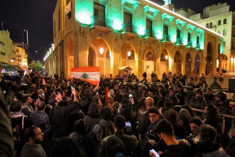 استمرار المظاهرات المناوئة للحكومة في لبنان احتجاجا على سوء الأوضاع الاقتصادية