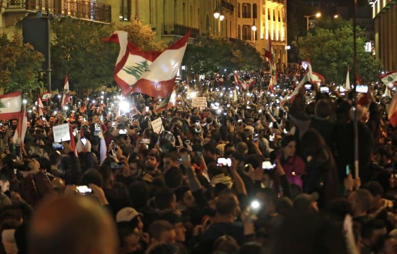 استمرار الاحتجاجات المطالبة بتغيير الحكومة وتحسين الأوضاع الاقتصادية في لبنان