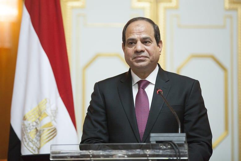 """السيسي يؤكد أنه ورغم انخفاض الأسعار في مصر هناك طبقة من الشعب """"تعاني"""""""