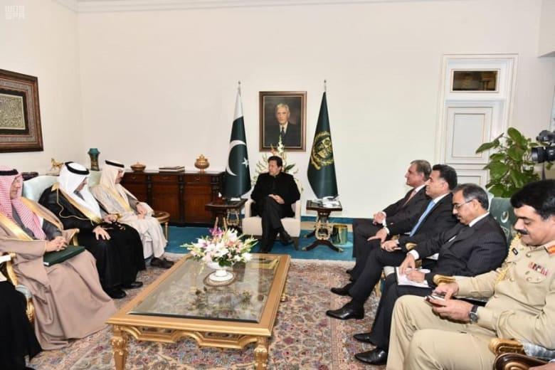 رئيس وزراء باكستان يستقبل الأمير فيصل بن فرحان