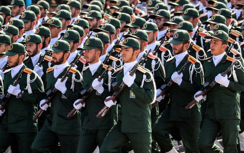 """إيران: وفاة قائد لواء """"فاطميون"""" الأفغاني بعد عامين من إصابته بصاروخ في سوريا"""