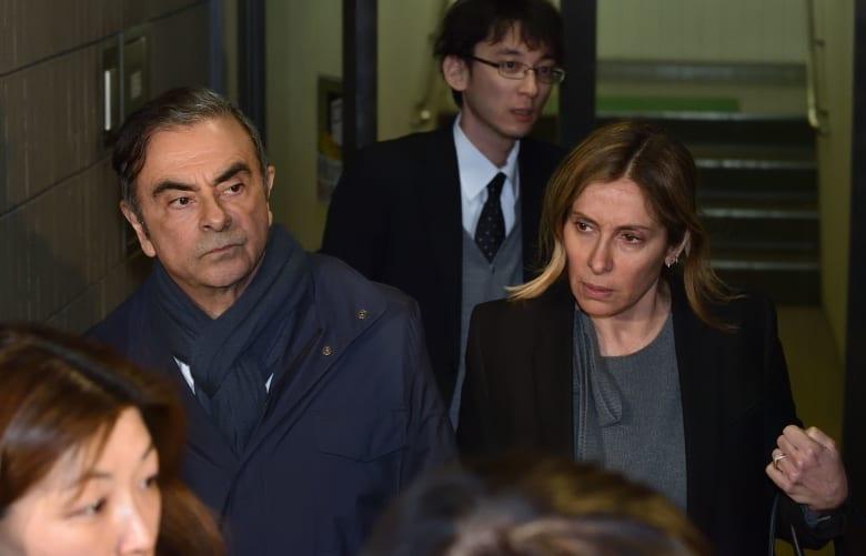 المدير التنفيذي السابق لشركة نيسان كارلوس غصن وزوجته كارول