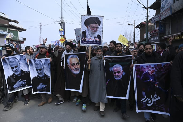 مظاهرات في إيران للتنديد بمقتل قاسم سليماني قائد فيلق القدس في الحرس الثوري الإيراني