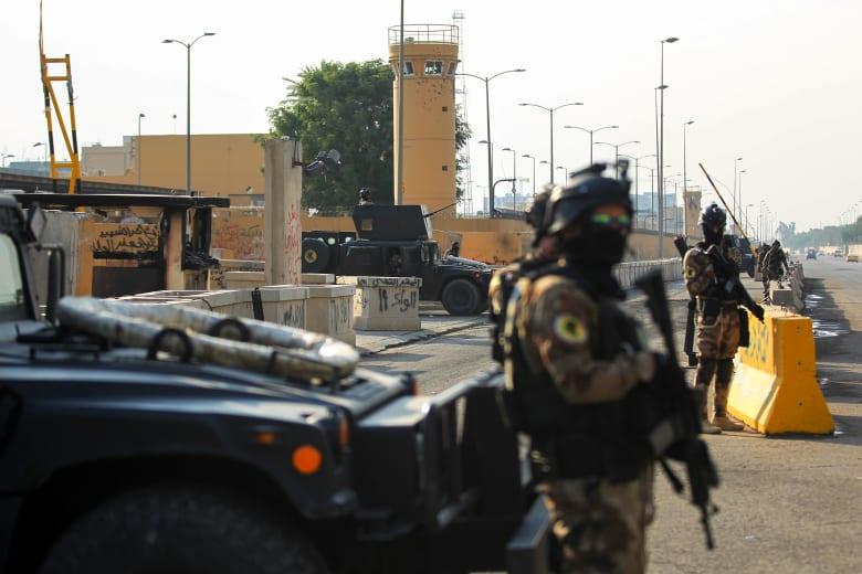 قوات أمريكية أمام سفارة واشنطن في بغداد
