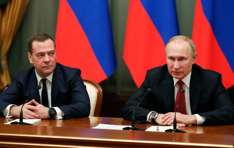 الحكومة الروسية تستقيل.. وبوتين يطرح تعديلات دستورية تتضمن نقل صلاحيات للبرلمان