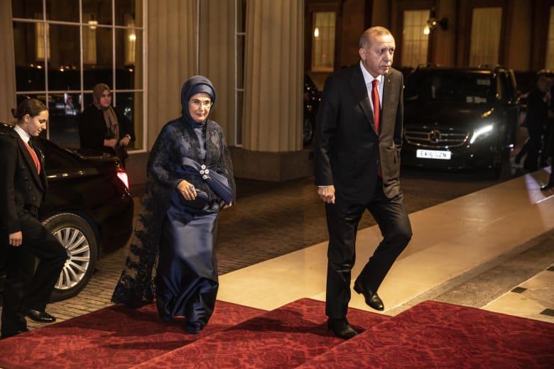 رجب طيب أردوغان وعقيلته بصورة أرشيفية في لندن