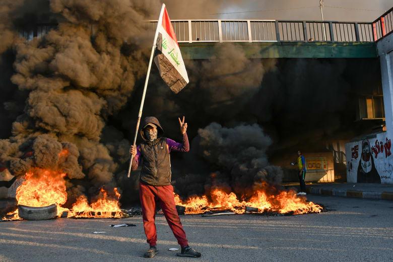 احتجاجات متصاعدة في العراق للمطالبة بإجراء انتخابات مبكرة وإقالة الحكومة