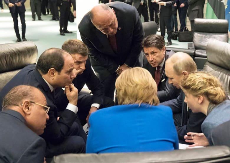 صورة لاجتماع قادة الدول المشاركة في مؤتمر برلين للسلام في ليبيا