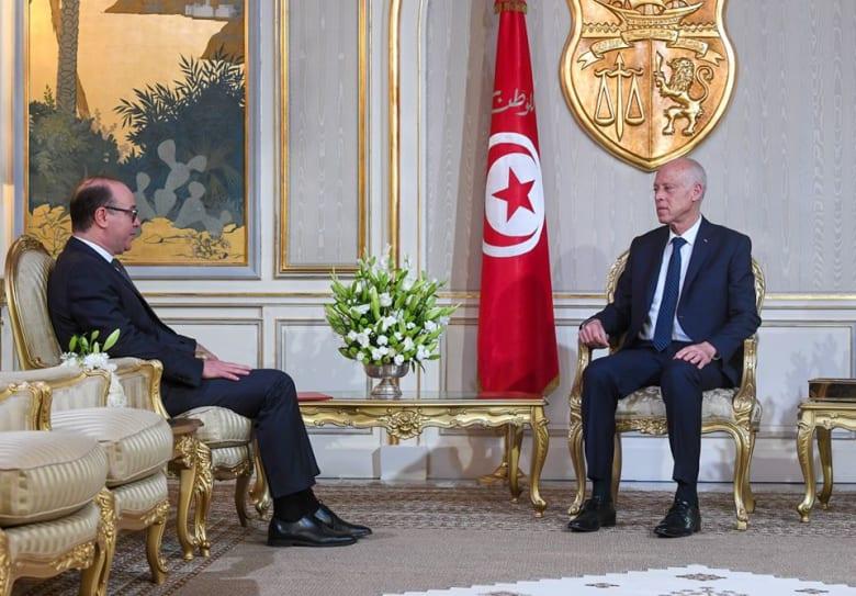 الرئيس التونسي قيس سعيد يكلف إلياس فخفاخ بتشكيل الحكومة
