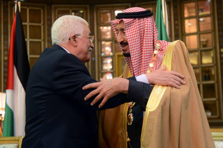 صورة أرشيفية للملك سلمان والرئيس عباس