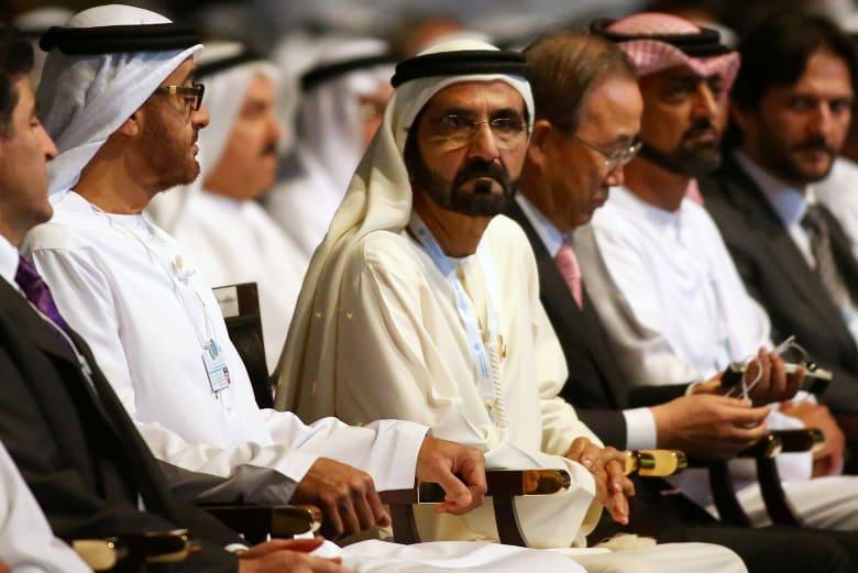 """حاكم دبي يكرم أخصائية اجتماعية بعد انتشار فيديو لاستقبالها """"الإيجابي"""" للطلبة"""