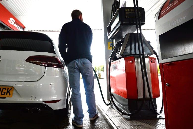 المملكة المتحدة تعلن حظر سيارات البنزين والديزل بحلول عام 2035