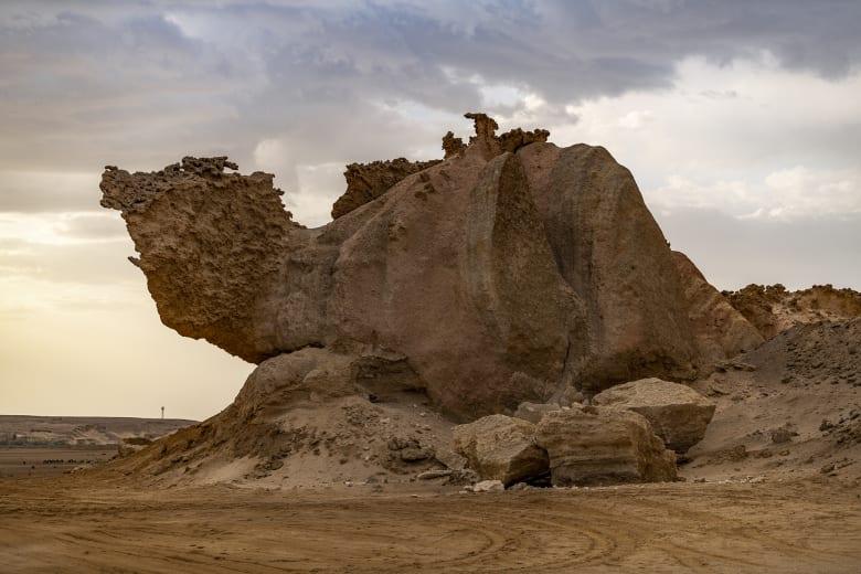 صخرة الجمل في السعودية
