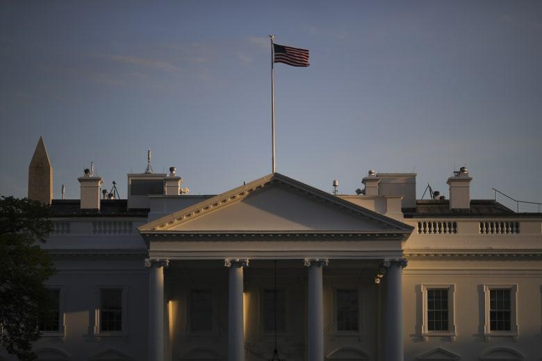 مصدر في الحكومة الإماراتية لـCNN: البيت الأبيض استضاف لقاء بين مسؤولين إماراتيين وإسرائيليين